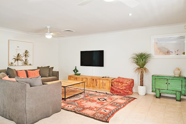 BRAND NEW - Spacious 2-Bedroom Apartment @ The Lord Byron Hotel