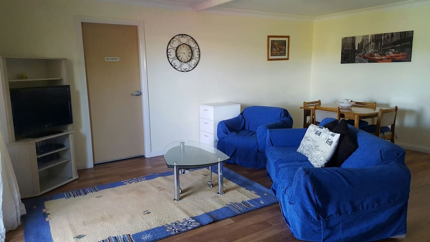 2 bedroom unit 10mins from CBD. - Warral - Apartament