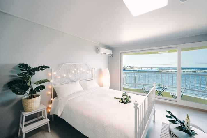 조이 하우스 A 리뉴얼 오픈 - 일몰 명소/전객실 바다전망/공항 10분거리/이호테우해변
