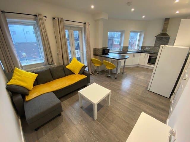 Central Southampton Apartment