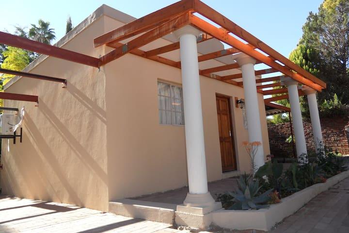 Sunrise Cottage, Keidebees Oasis (Sleeps 1-4)