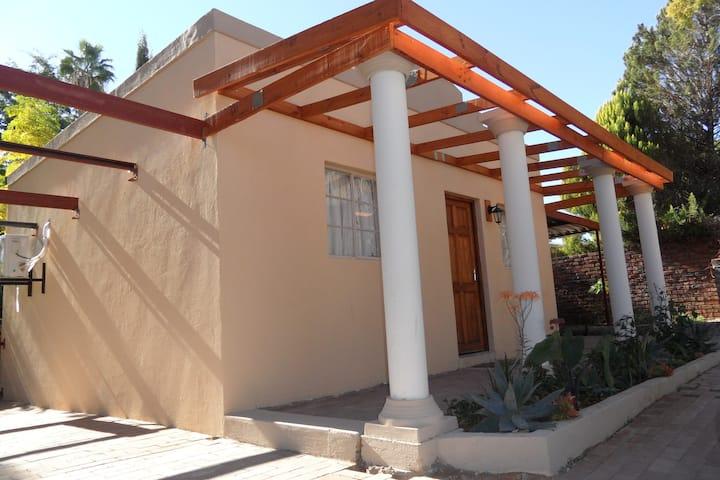 Sunrise Cottage, Keidebees Oasis (Sleeps 1-3)