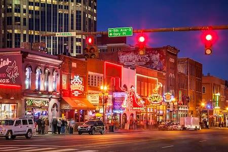 DOWNTOWN! UNIQUE Two Story Loft!! - Nashville