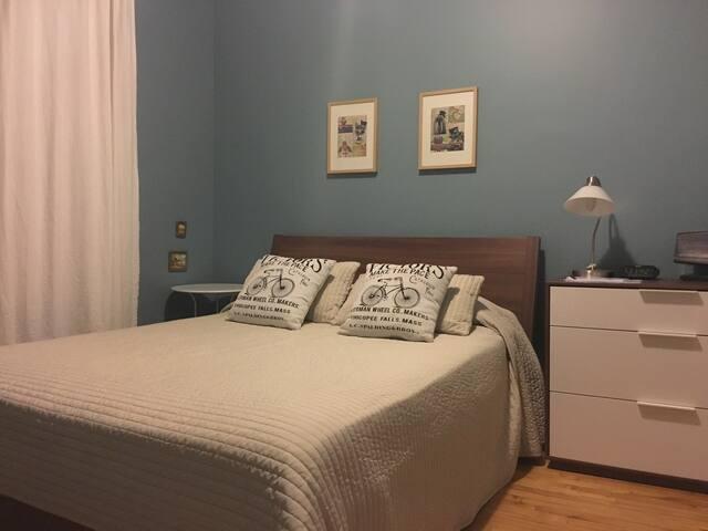 Comfort bedroom with terrace - Montreal - Pis