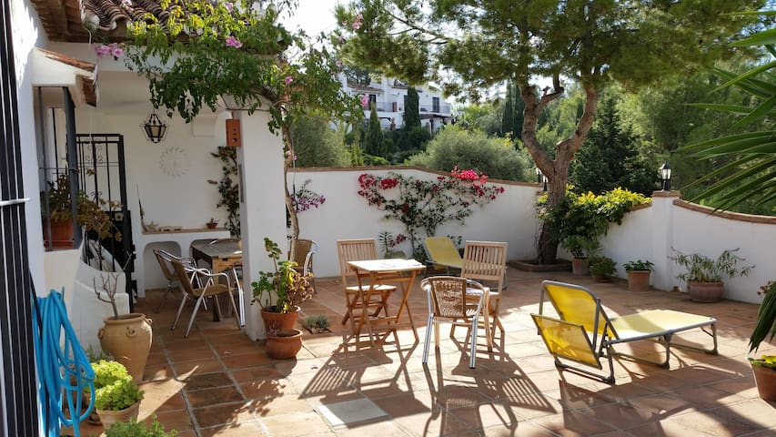 Pretty house with fabulous terrace and shared pool