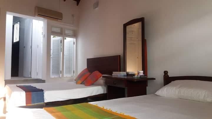 Majestic Apartments, Nawala - Lavender - En-suite)