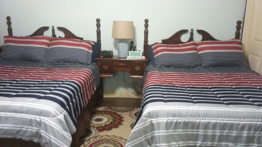KLAUZZ  Beautiful Lighthouse room (two beds) .