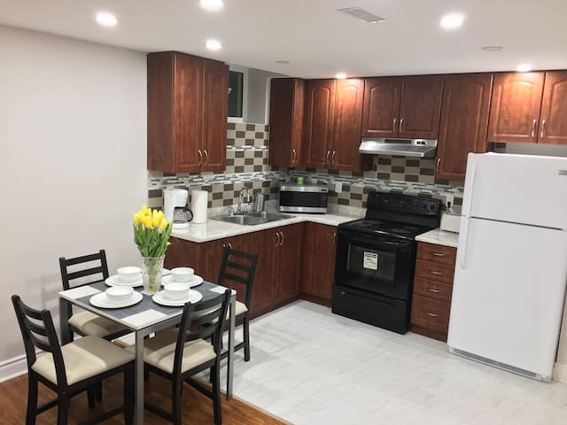 Clean & modern 2 bedroom apartment - Mississauga - Flat