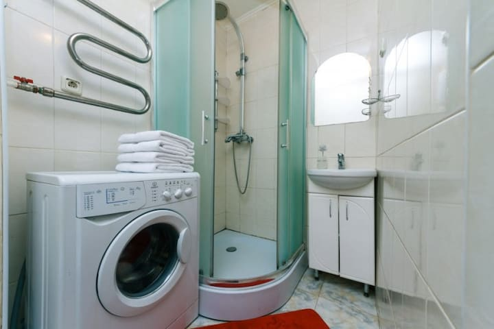 Exclusive 2 rooms Luxury in the center of Kiev