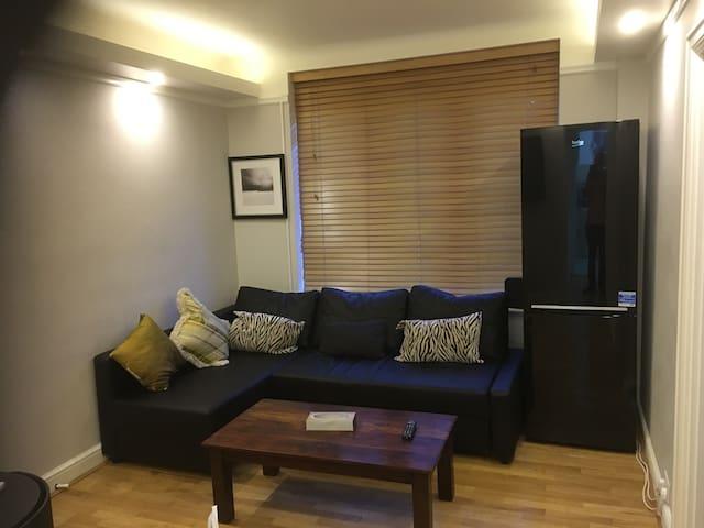 2 Bedroom Flat in Kilburn Park, near Hampstead - London