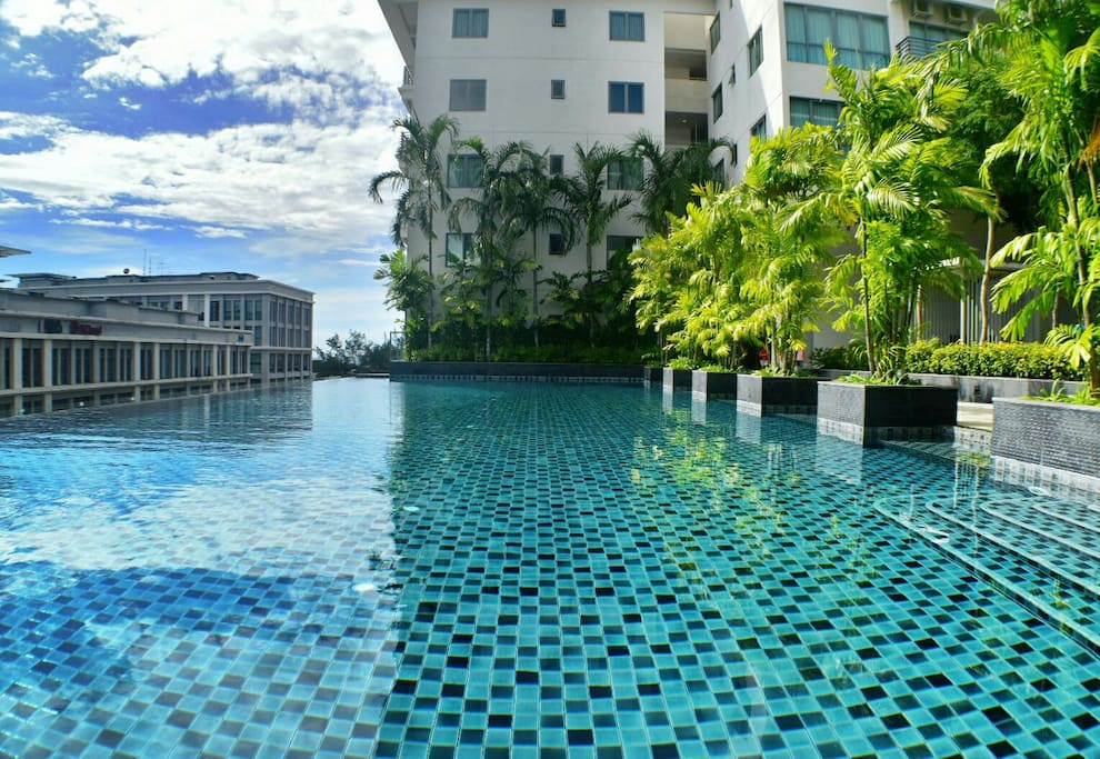 Infinity Swimming Pool on top of 4th Floor