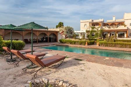 Superbe villa avec piscine  à Essaouira - Villa