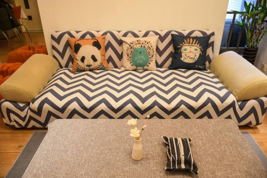 混搭动物元素的软装设计,让居室空间既可爱又灵动。