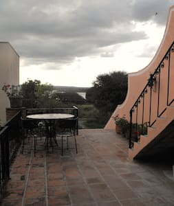 INDEPENDENT AND SPACIOUS ROOM - San Miguel de Allende - Lomaosake