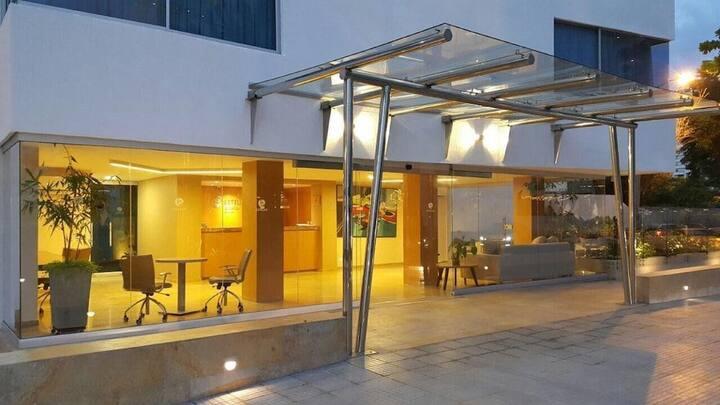 Hotel Tranquilo en el Laguito