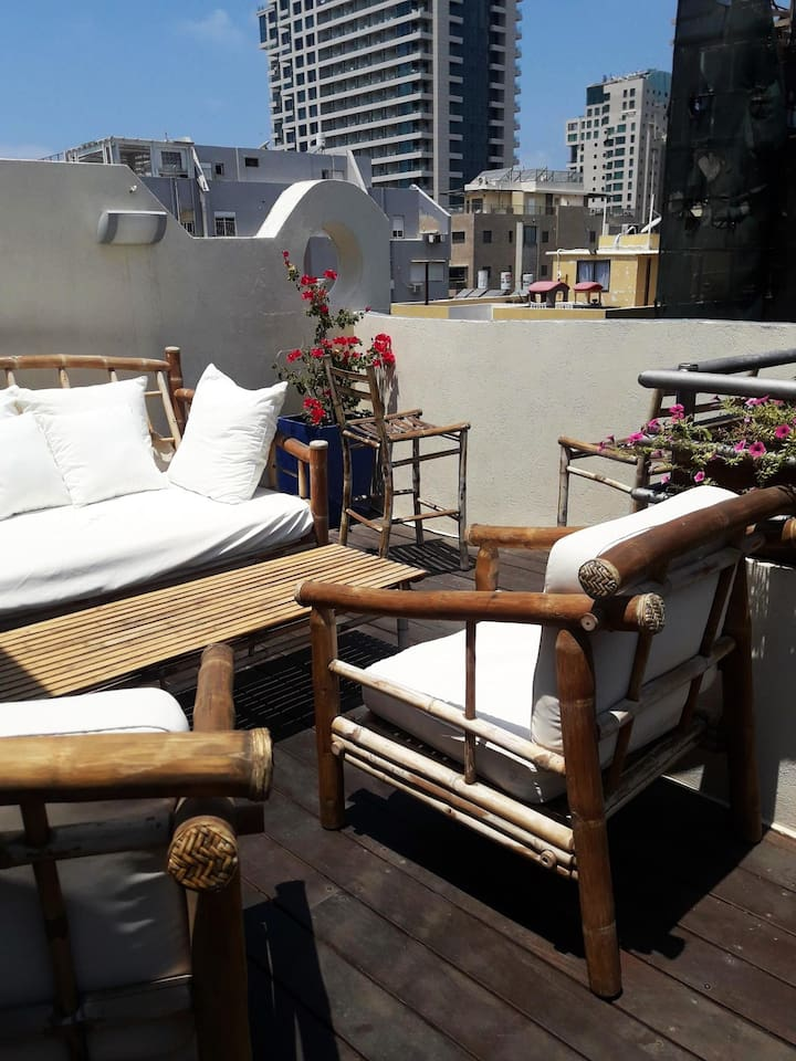 Sunbathing area in the sun/view from the roof balcony