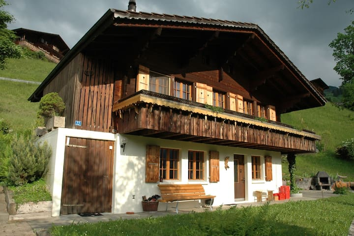 Detached chalet with view of the Alps, large terrace and veranda