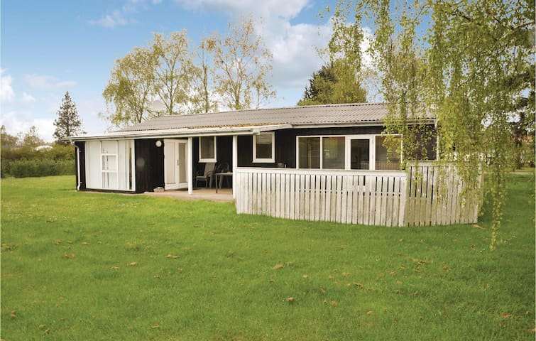 Holiday cottage with 4 bedrooms on 118m² in Otterup