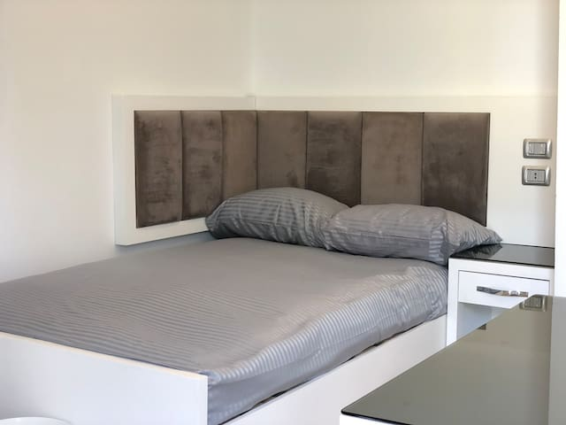 Inside the Studio.. double bed