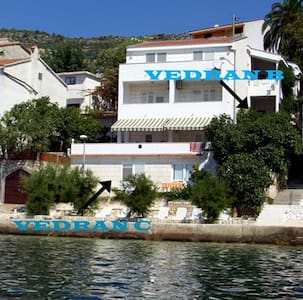 villa Vedran Apartment B by the sea with terrace - Komarna