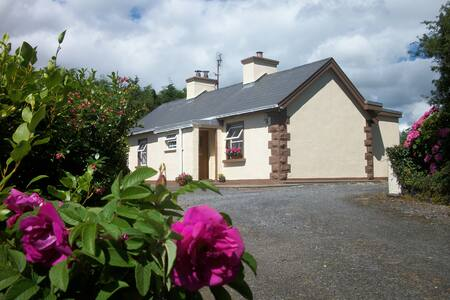 Wild Rose Cottage | South Donegal | Wifi available - County Donegal