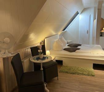 Double Room - Doppelzimmer +Aufbettung