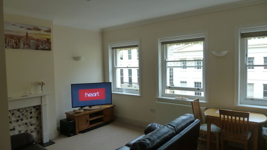 Lovely Flat Great Location For All Attractions