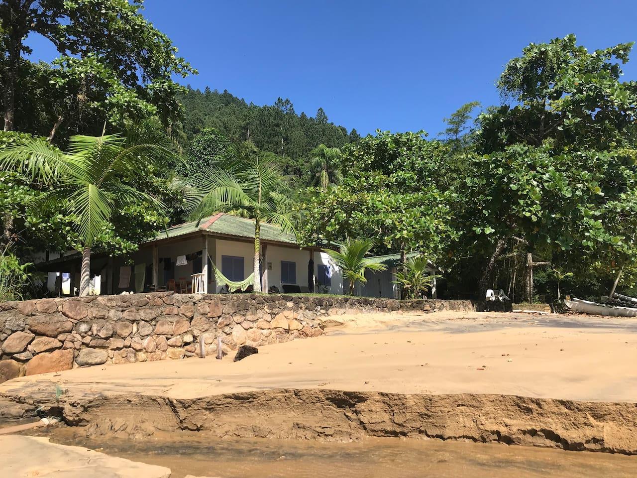 Nossa casa vista da praia