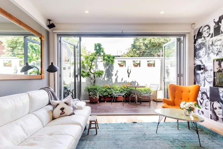 Renovated Victorian Terrace Home with Garden
