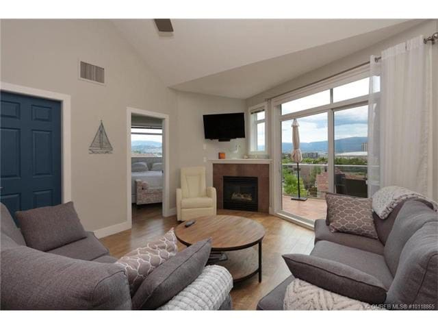 Okanagan Dreaming On the Lake - Kelowna - Condominium