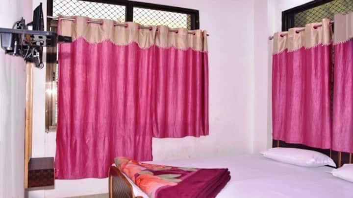 Shri Balaji Paying Guest House