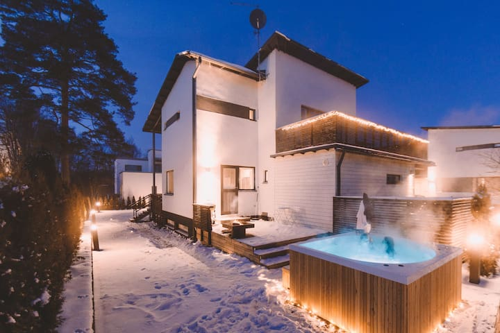 NORDIC DESIGN AND LIVING IN COZY & LUXURIOUS VILLA
