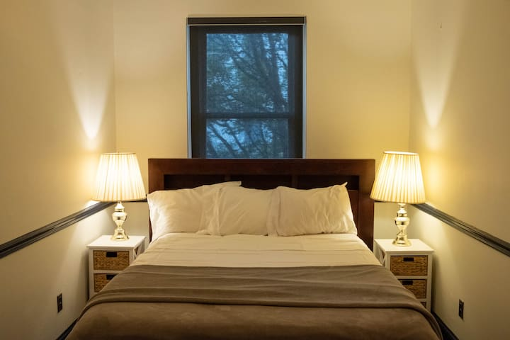 Guest room - private and quiet.