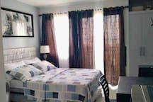 Full Double Bed with 4 Hotel grade pillows