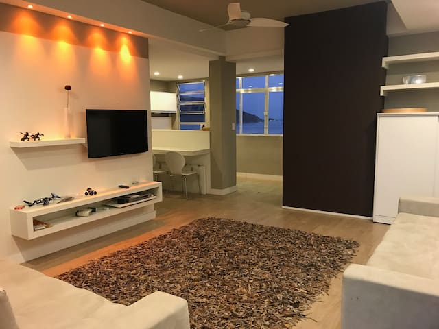 Modern apartment with STUNNING view of the beach!!