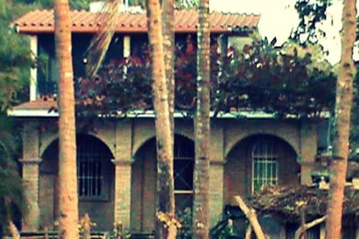 Casa Simpatico, Beachfront Serenity Whole House