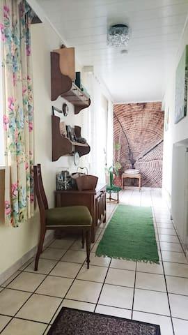 Gemütliches Vintagezimmer im Landhaus - Bad Zwischenahn - Rumah
