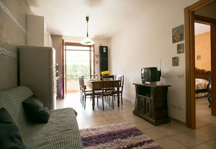 Flat with balcony, private parking - Gaiole In Chianti - アパート