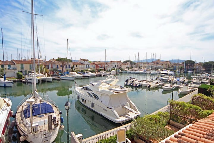 Apartment with terrace in Port Grimaud, St Tropez