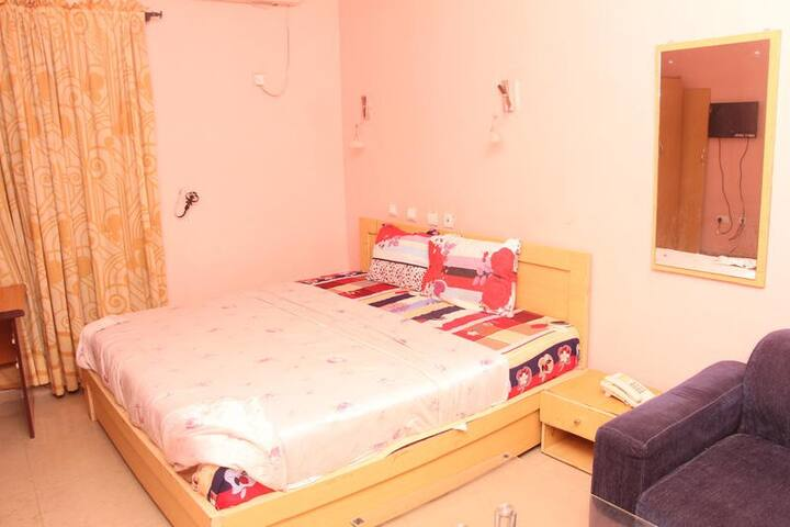 Dubys Suites Dutse - Ambassador Room