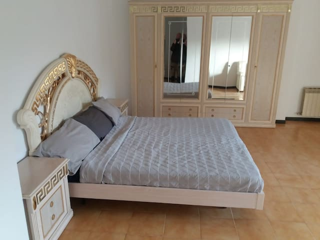 1 bedroom with ensuite in a luxury villa