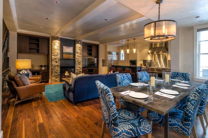 Three-Story Penthouse w/Rugged Mountain Elegance @ Auberge Element 52 ( E2)