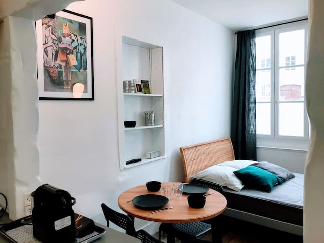 Apartment in the heart of Rouen Place Rougemare