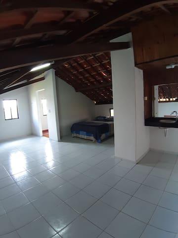 Área comum com cama - 1º andar