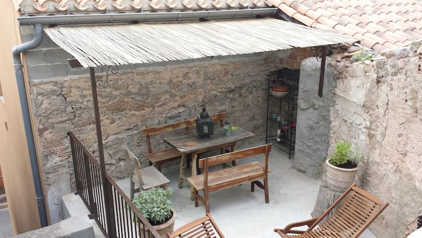 17th century house with terrace, near to Castle - Capendu