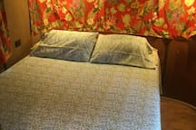 1954 Sparton Bed & Breakfast