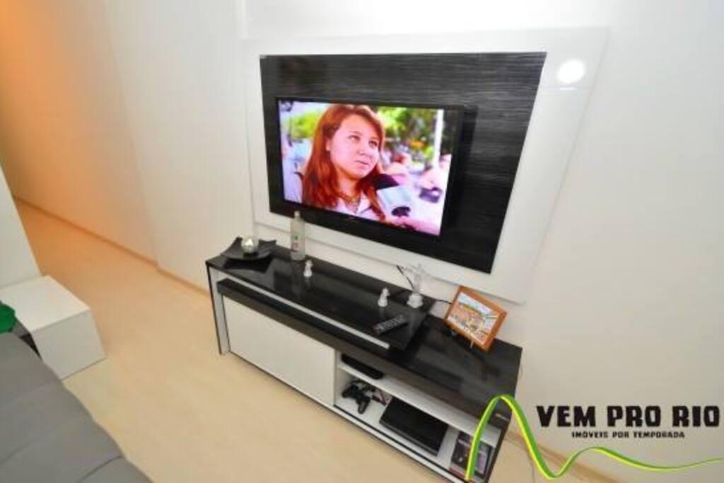 Sala,Rack,TV,Sofá Retrátil,confortável,p 2 pessoas,ventilador de teto.