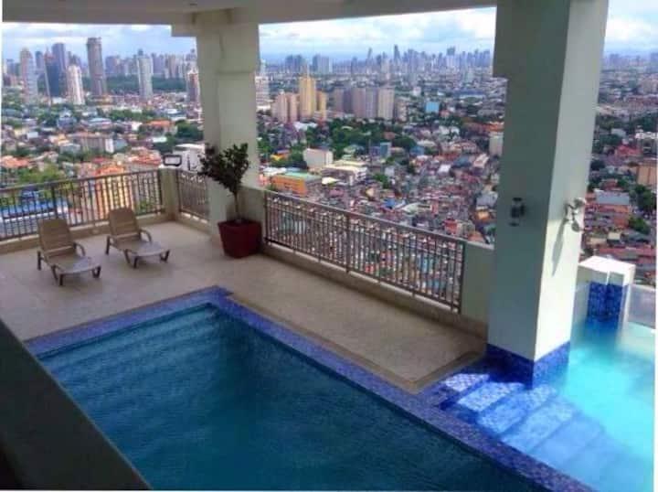 Your 2nd home nr MRTCubao w/Wifi+Netflix+SmartTV