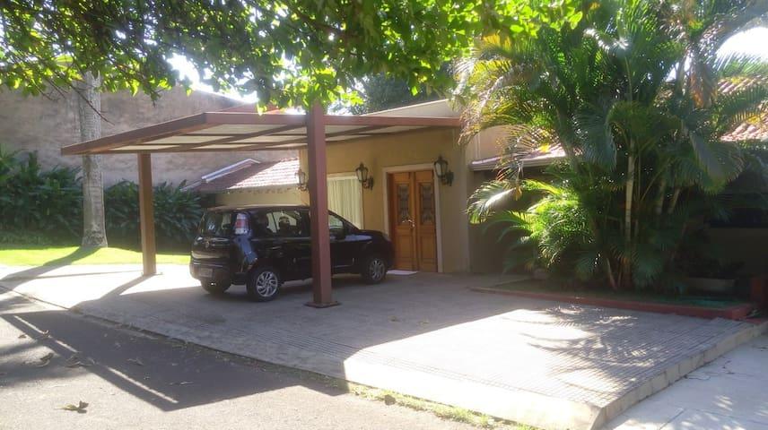 Casa do Lago - Quarto - Cartão Postal de Londrina.