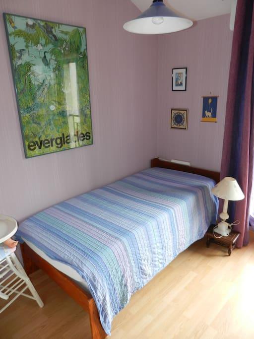 chambre dans maison de ville townhouses for rent in besan on bourgogne franche comt france. Black Bedroom Furniture Sets. Home Design Ideas